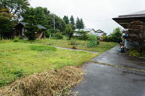 津田さん一家が暮らすのは、町がホームオフィスとして貸し出している広い庭付きの一軒家