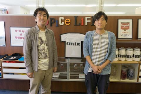 スパイスライフはオリジナルデザインのTシャツをネットで簡単に注文できるサービス「tmix」を開発・運営している。オフィスはTシャツのショールームも兼ねている